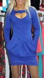 Платье с вырезом-сердцем на груди