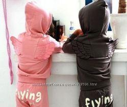 Костюмчик спортивный  с крылышками ангела