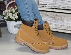 Зимние ботинки в стиле тимберленды