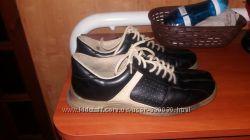 Продам кожаные кроссовки
