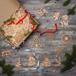 Дизайнерский набор деревянных елочных игрушек Merry Christmas.