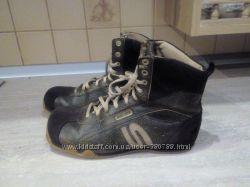 Демисезонные ботинки  Skechers унисекс 37-38р