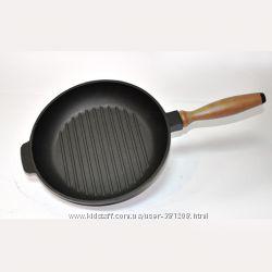Чугунная сковорода гриль с деревянной ручкой 240-40