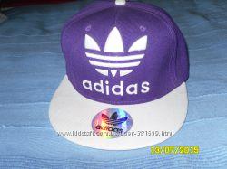 Молодежная стильная кепка