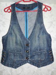 Клевая и стильная джинсовая жилетка