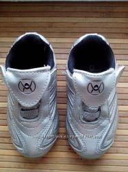 Admiral серебристые кроссовки размер 5