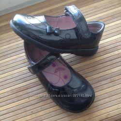 Туфли для девочек 23 12 F размер 15. 5 см состояние отличное