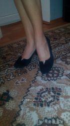 Продам красивые туфельки натур. замша
