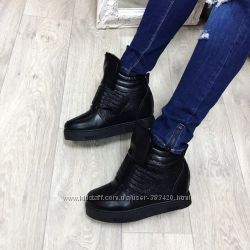 Сникерсы ботинки на липучке зима в наличии  38, 39, 40, 41