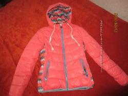 Теплая зимняя куртка пуховик 44р. М-L