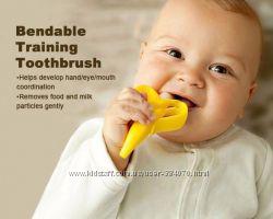 Прорезыватель- зубная щетка Банан для первых зубиков