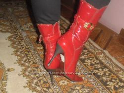 кожаные лаковые красные сапоги 38 размера