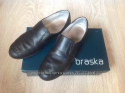 Продам туфли школьные Braska размер 38