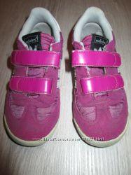 кроссовки Adidas оригинал р. 24, стелька 15 см