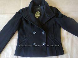 Шерстяное пальтишко Damo на осень