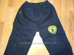 Продам джинсы на 3 года рост 98см. длинна 55см.