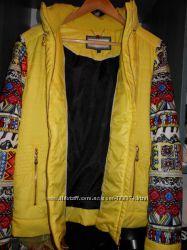 Фирменная яркая куртка на синтепоне