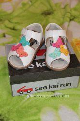 Кожаные мягенькие босоножки See Kai Run, р. 7US, 14. 8см