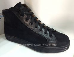 ������� Sneakers Due Luna  37�. 38�. 39�