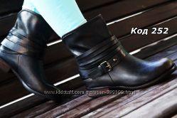 Ботинки женские черныестарое золото ковбойки. Польша