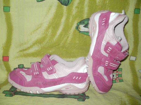 Кроссовки на девочку SuperFit р-р 30 в хорошем состоянии