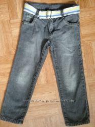 Продам джинсы Crazy8 р. 4Т в отличном состоянии  для мальчика