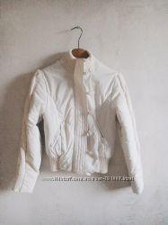 Белая куртка SASCH с вязанными элементами