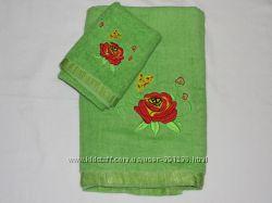 Набор полотенец 2 шт. зеленые с вышивкой