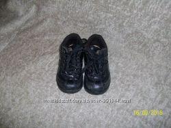 продам ботинки чикко 26р