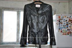 удлиннённая кожаная куртка