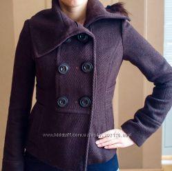 Короткое пальто, фирмы Zara. Размер S. Цвет коричневый. Состояние идеаль