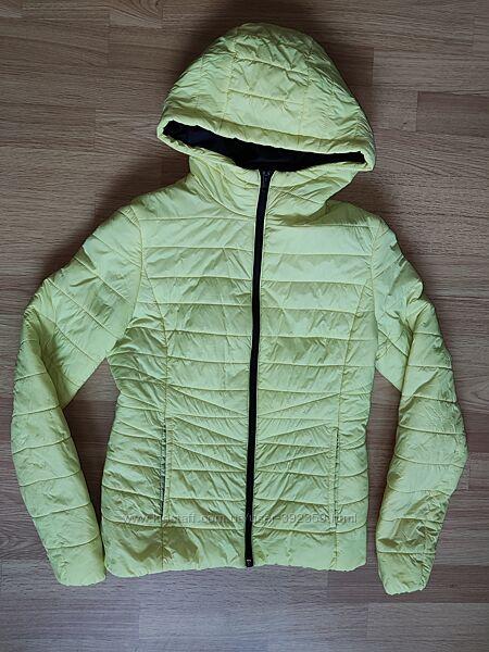 Продам б/у куртка осень в отличном состоянии р. XS на рост 160см
