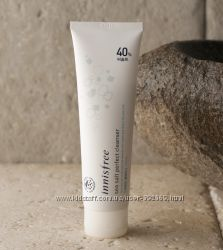 Пенка-скраб для глубокого очищения жирной кожи Innisfree Корея