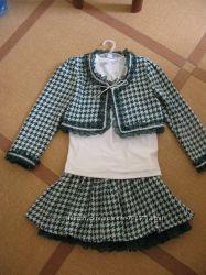 Нарядный костюм-тройка на девочку 7-8 лет