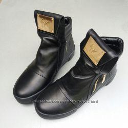 Короткие зимние ботинки кожа