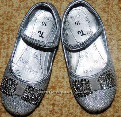 Продам очень красивые нарядные туфельки Tu