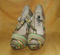 Новые летние туфли Устойчивый высокий каблук Текстиль