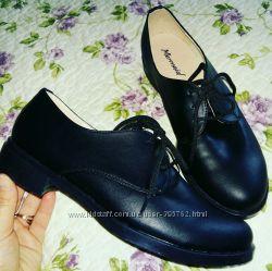 Черные туфли на шнурках из натуральной кожи в наличии