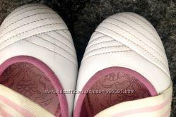 Спортивные туфли Adidas длина по стельке 24см