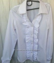 Нарядная блузка для школы на девочку 9-11 лет, 152 рост. В идеальном состоян
