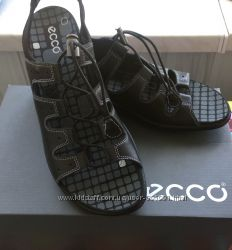 Новые кожаные босоножки Ессо 41р. по стельке 26, 6 см