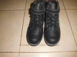 Новые демисезонны ботинки36 размер итальянской фирмы Бата