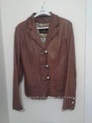 продам шкіряну модну куртку 46-48 розміру
