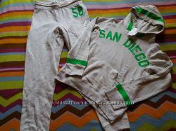 Спортивный костюм фирмы H&M  на 8-10,  10-13 лет.