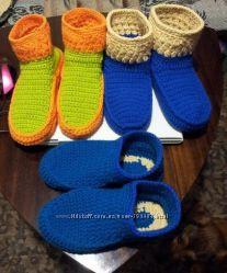 Домашние вязанные сапожки под заказ