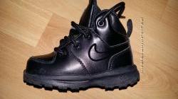 Кожаные практически новые оригинальные ботиночки Nike