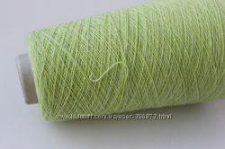 Итальянская стоковая бобинная пряжа для вязания. Твид. Пряжа в мотках.