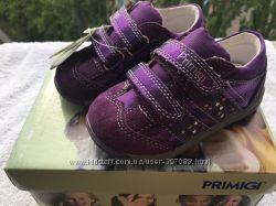 Новые кроссовки Primigi р. 22