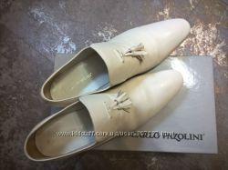 Классные светлые туфли Carlo Pazolini