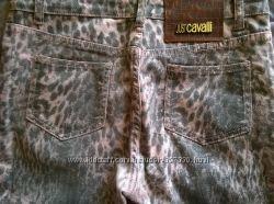 Красивые модные джинсы в принт